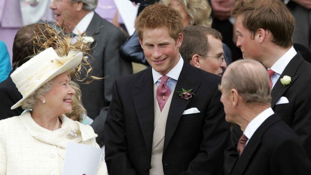 Ratu Elizabeth II Didesak untuk Cabut Gelar Kerajaan Pangeran Harry (740901)