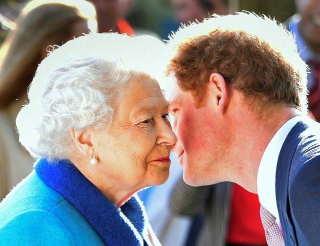 Harry & Meghan Mundur dari Tugas Kerajaan, Ratu Sudah Tunjuk Pengganti? (4739)