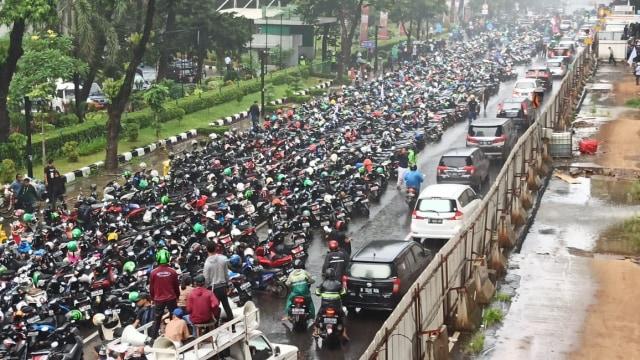 COV, Aksi massa Priok di Rasuna Said