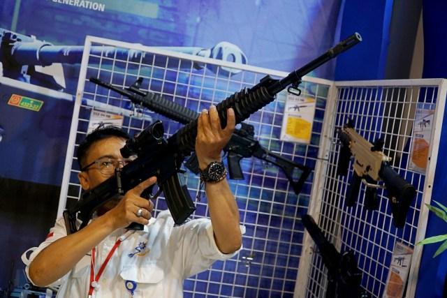 Impor Senjata RI: Salah Satu yang Terbesar di Dunia—dan Diminta Jokowi Direm (7)