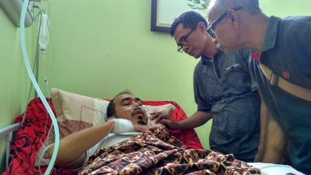 Jurnalis Antara Aceh Teuku Dedi Iskandar yang dikeroyok