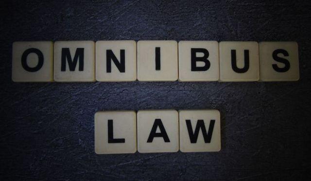kalangan-pekerja-bersama-warganet-dukung-kebijakan-omnibus-law_m_174991.jpg