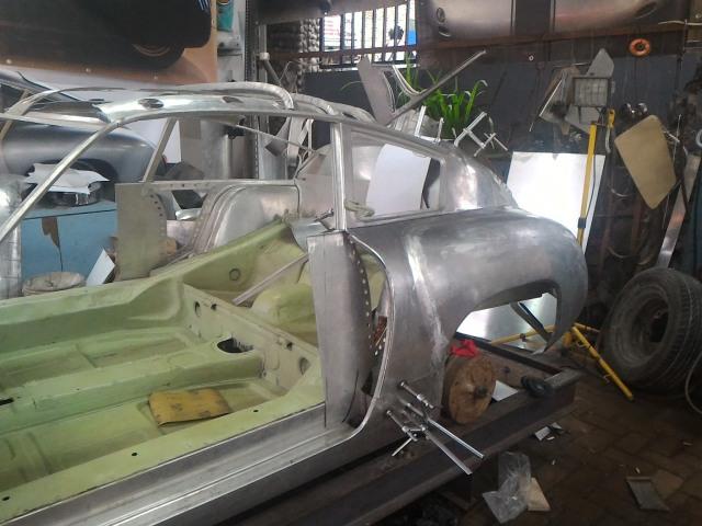 Ubah Die-Cast Jadi Replika Porsche 356b Abarth Aluminium (89647)