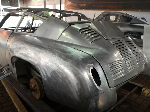 Ubah Die-Cast Jadi Replika Porsche 356b Abarth Aluminium (89641)