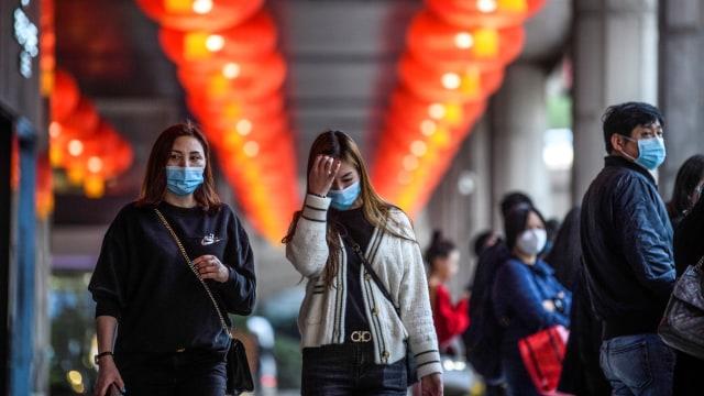 Warga memakai masker, Wuhan