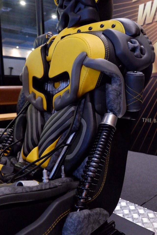 Jok Bumblebee pakai kulit sintetis MBTech