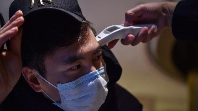 Virus Corona Tewaskan 908 Orang, RS China Kewalahan Tangani Pasien (104497)