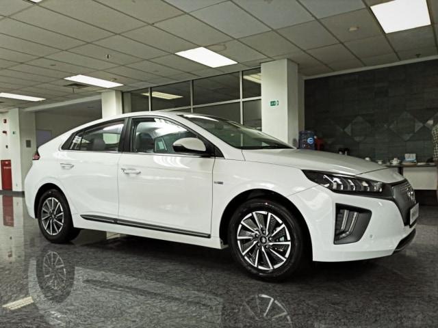 Pilihan Mobil Listrik Baru Bertambah, Hyundai Ioniq dan Kona Jadi yang Termurah! (199959)