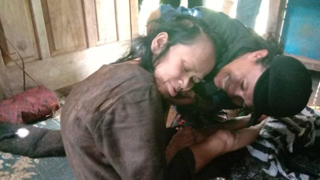 Viral Kisah Nenek Sukiyah: 27 Tahun Hidup Sendiri dan Tak Terawat (204468)