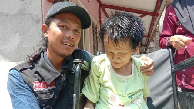 Viral Kisah Nenek Sukiyah: 27 Tahun Hidup Sendiri dan Tak Terawat (204472)