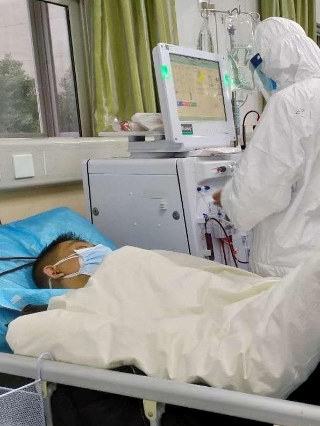 Dokter China yang Dibungkam karena Virus Corona Meninggal Dunia (22974)