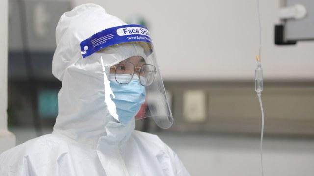 Foto: Melihat Tim Medis RS Wuhan di China Tangani Virus Corona (406194)