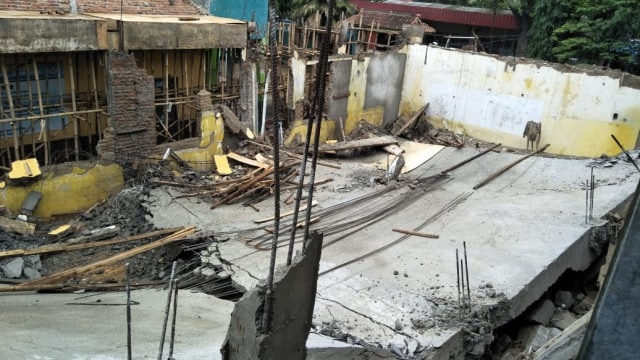 Proyek Bangunan SDN 2 Lumpang, Bogor, Ambruk (319108)