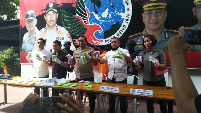 pengungkapan kasus 14 ribu ekstasi di Polda Metro Jaya