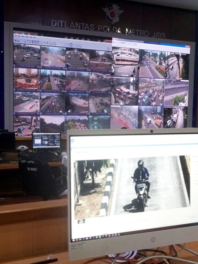 Foto: Melihat Pusat Komando ETLE yang Bidik Pemotor Bandel di Jakarta (323633)