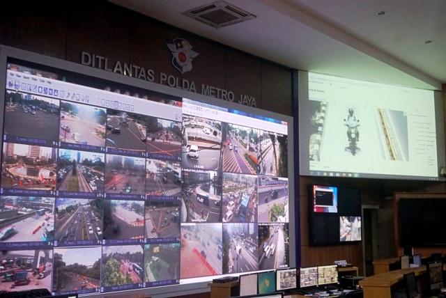 Foto: Melihat Pusat Komando ETLE yang Bidik Pemotor Bandel di Jakarta (759992)