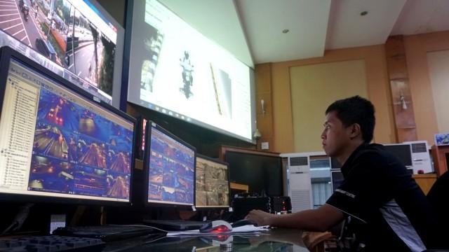 Foto: Melihat Pusat Komando ETLE yang Bidik Pemotor Bandel di Jakarta (759988)