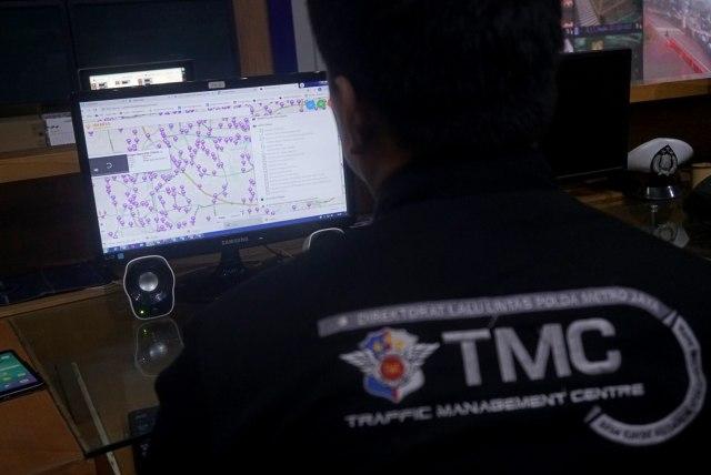 Foto: Melihat Pusat Komando ETLE yang Bidik Pemotor Bandel di Jakarta (323644)
