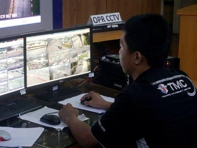 Foto: Melihat Pusat Komando ETLE yang Bidik Pemotor Bandel di Jakarta (323645)
