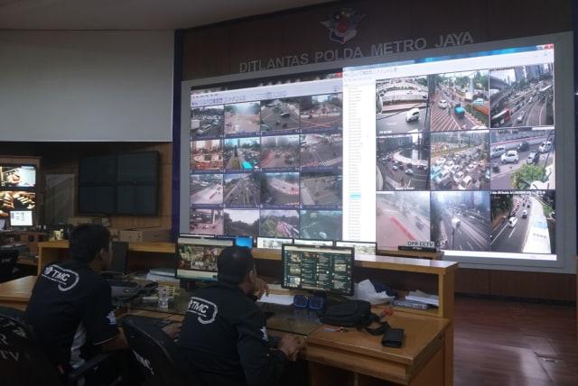 Foto: Melihat Pusat Komando ETLE yang Bidik Pemotor Bandel di Jakarta (323640)
