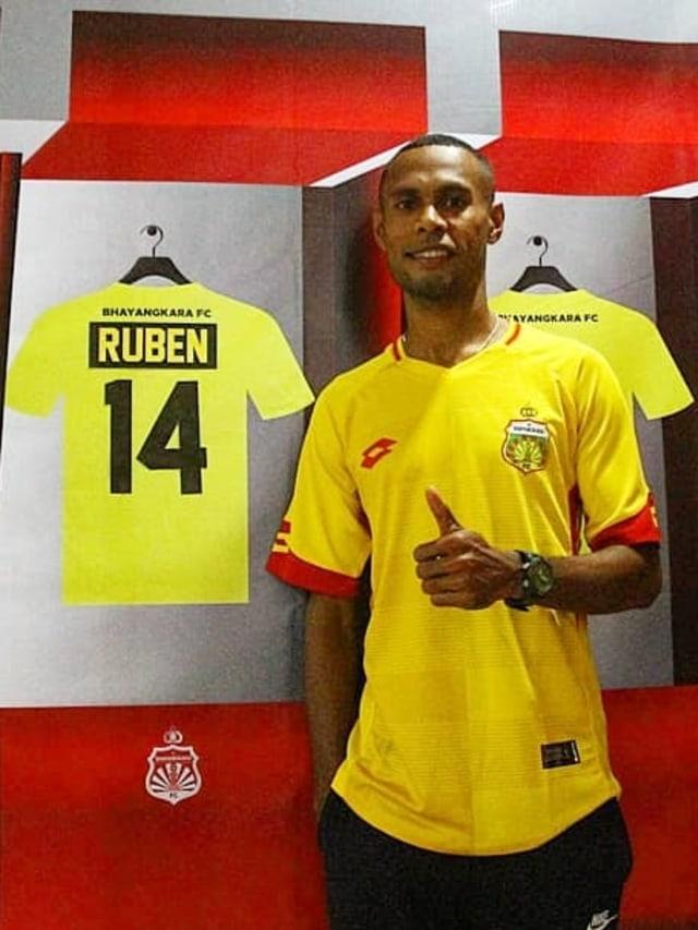 PTR-Bek Kiri Bhayangkara FC Ruben Sanadi