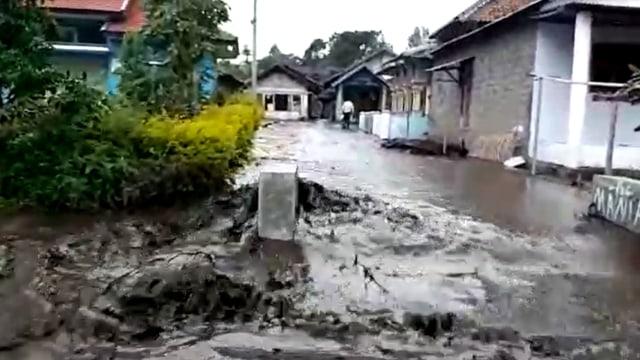 1.600 Warga di Lereng Gunung Ijen Terdampak Banjir Lumpur  (384725)