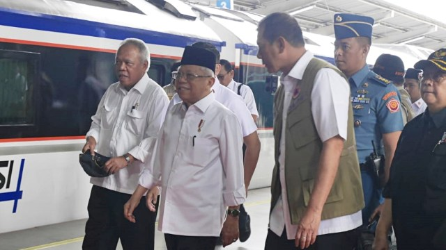 Kereta Ma'ruf Amin Disoraki karena Ganggu KRL, Jubir Minta Maaf