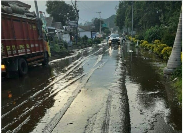 Banjir di Sempol Bondowoso Bukan dari Kawah Ijen, Begini Kronologinya (356069)