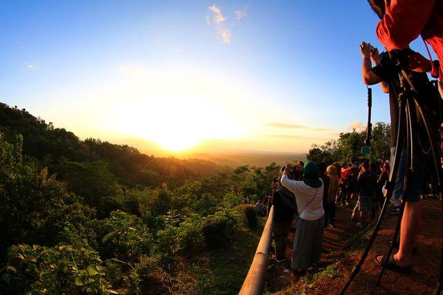 Selain Punthuk Setumbu, Ini 5 Spot Terbaik untuk Melihat Sunrise di Magelang (492457)