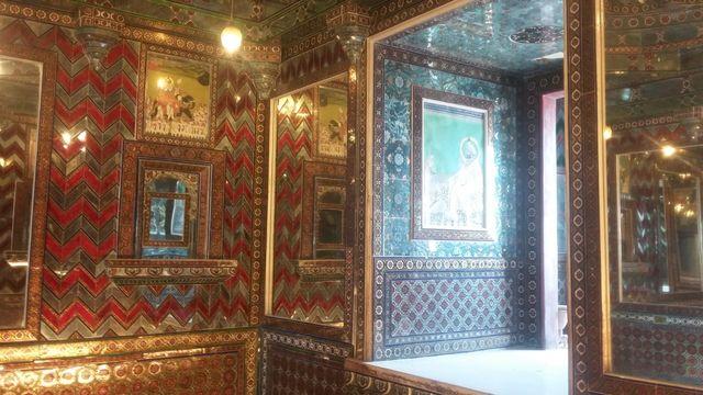 Istana Mutiara atau Moti Mahal yaitu kamar menciptakan berbagai refleksi yang menakjubkan..jpeg