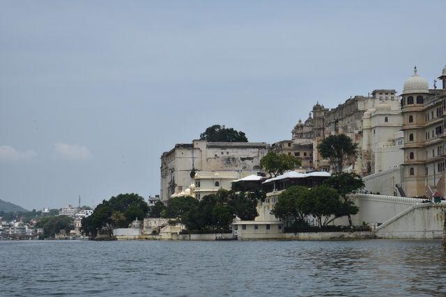 Istana Kota dari Danau.jpeg