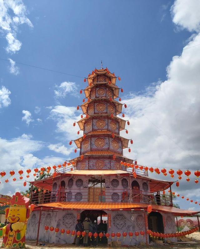 replika pagoda yang masuk MURI - dok Multi Siahaan.jpeg