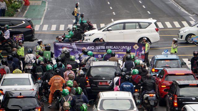 Yang perlu Kamu Ketahui Soal Pembatasan Sepeda Motor di Jalan Nasional  (67950)