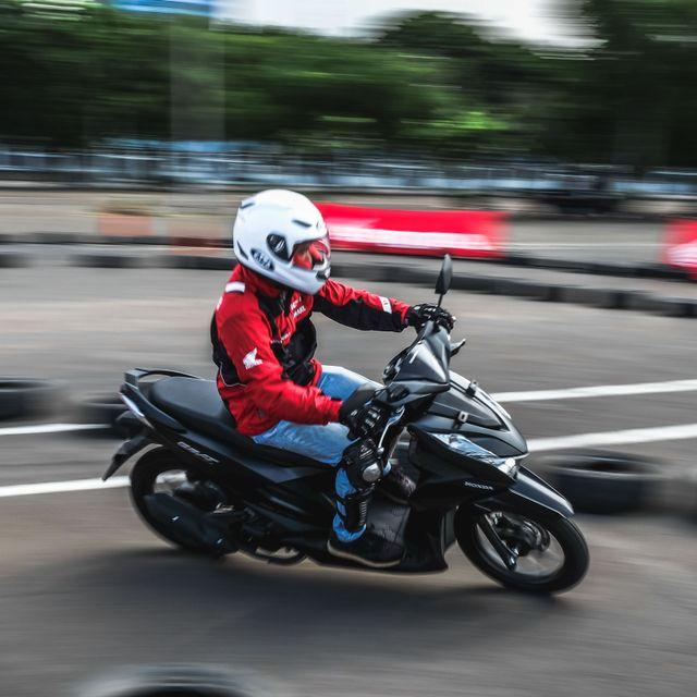 Populer: Honda Beat 'Motor Sejuta Umat' dan Mitsubishi Tutup Pabrik Pajero (375613)