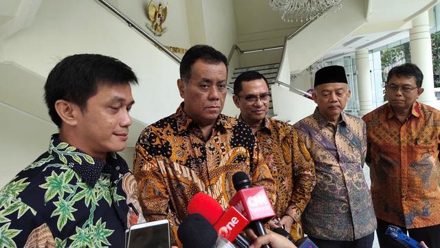 Rektor UI Mundur dari Komisaris BRI, Rektor UIII Komisaris BSI Pilih No Comment (12770)