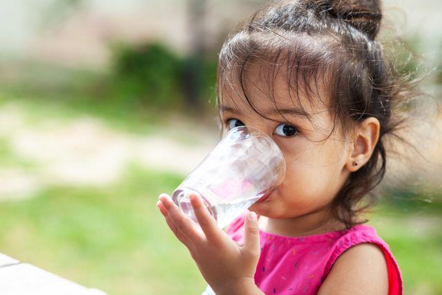 5 Tips Cegah Dehidrasi pada Balita