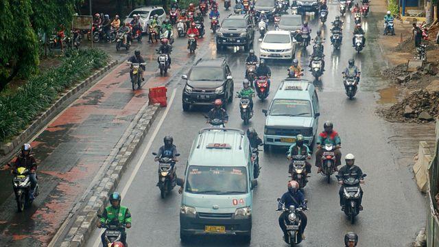 Menhub: Pengguna Transportasi Umum di Jabodetabek Masih Minim (108421)
