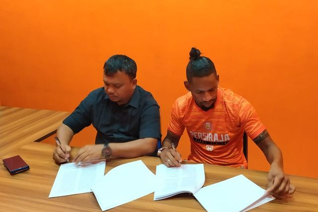 Vanderlei Francisco resmi teken kontrak dengan persiraja (2).jpeg