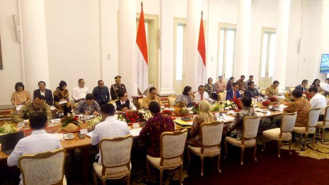Jokowi Dinilai Perlu Reshuffle Kabinet untuk Hindari Kutukan Periode Kedua (87324)