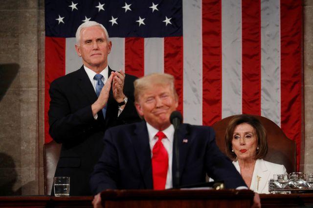 Foto: Detik-detik Nancy Pelosi Robek Naskah Pidato Donald Trump (25118)