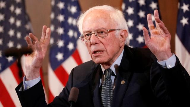 Bernie Sanders Endorses Ex-Rival Hillary Clinton Ending ...  |Anime Betrayal Bernie Sanders