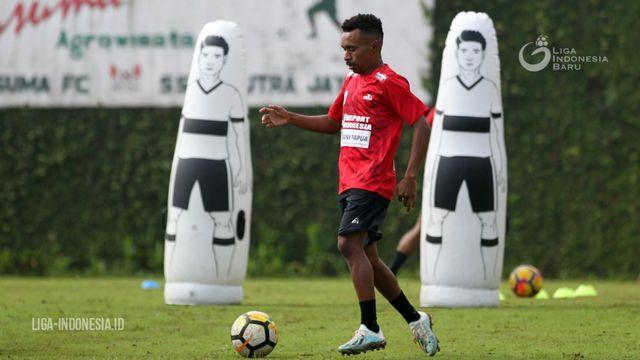 Resmi: Todd Ferre Dipinjamkan Persipura ke Lampang FC (114102)