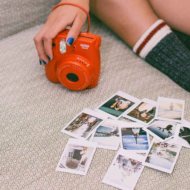Tips Fotografi: Mengulik Sejarah Polaroid, Kamera Instan yang Masih Jadi Tren (59611)