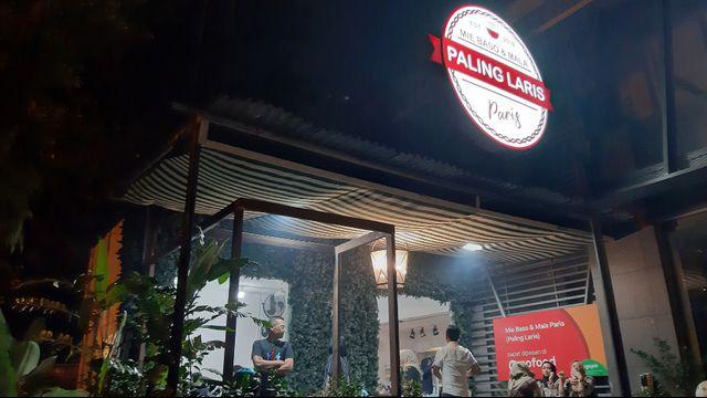 Kuliner Pedas 'Mie Baso Paris' di Bandung yang Bikin Ketagihan (846415)