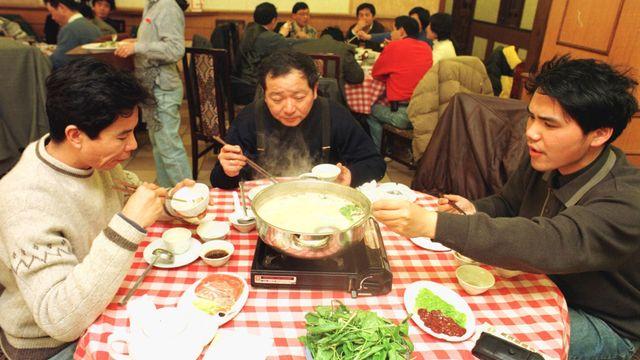 Makan Hot Pot Bersama, Sekeluarga di Hong Kong Tertular Virus Corona (165967)