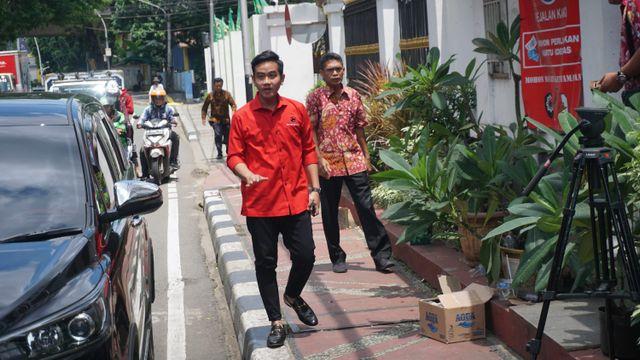 Gibran Rakabuming Raka tiba di kantor DPP PDIP