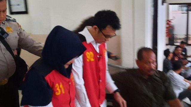 Aulia Kesuma Didakwa Bunuh Suami dan Anak Tirinya Secara Terencana (24012)