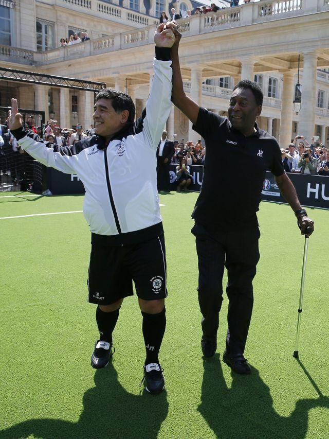 Pele: Suatu Hari, Saya Harap Kita Bisa Bermain Bola Bersama di Langit, Maradona (7438)