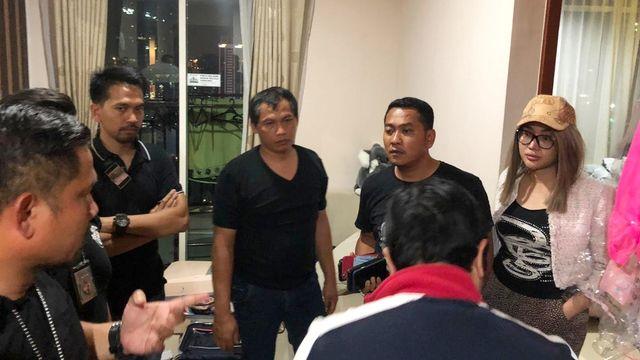 Foto: Gaya Lucinta Luna saat Ditangkap Polisi (209)