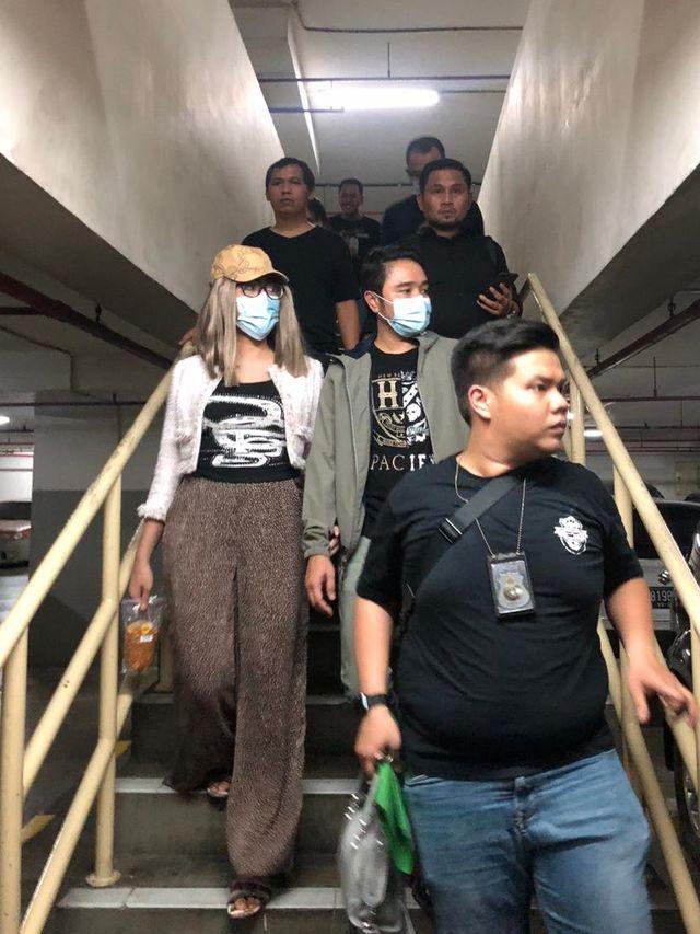 Foto: Gaya Lucinta Luna saat Ditangkap Polisi (203)
